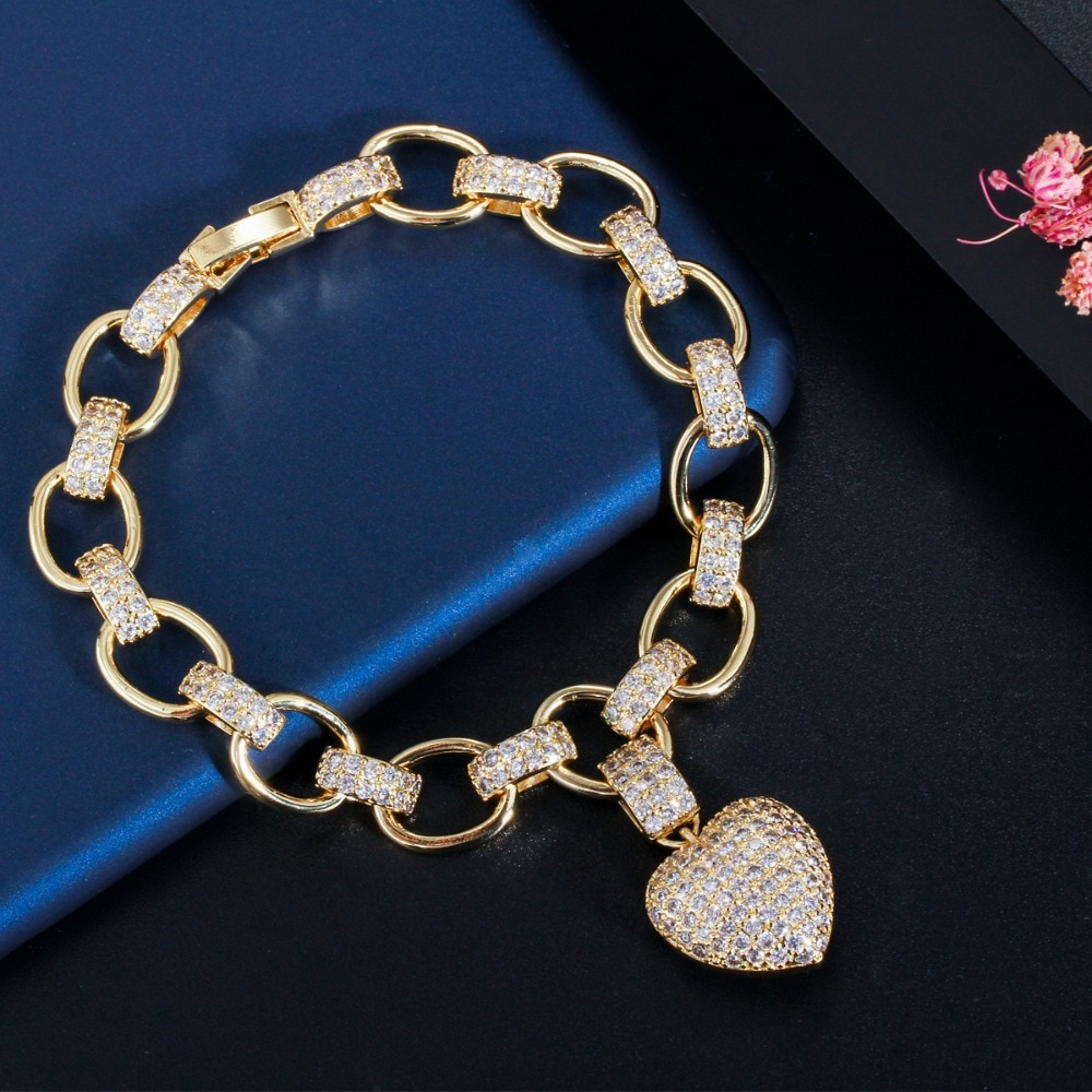 Women's Golden Heart Bracelet and Necklace Set