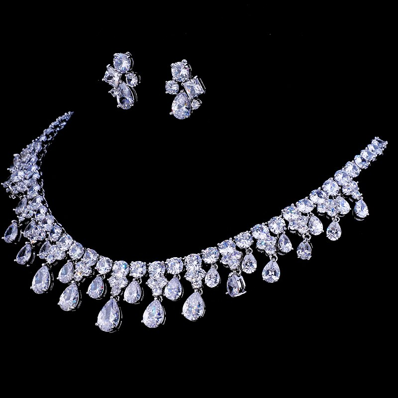 Lovely Wedding Necklace and Earring Set