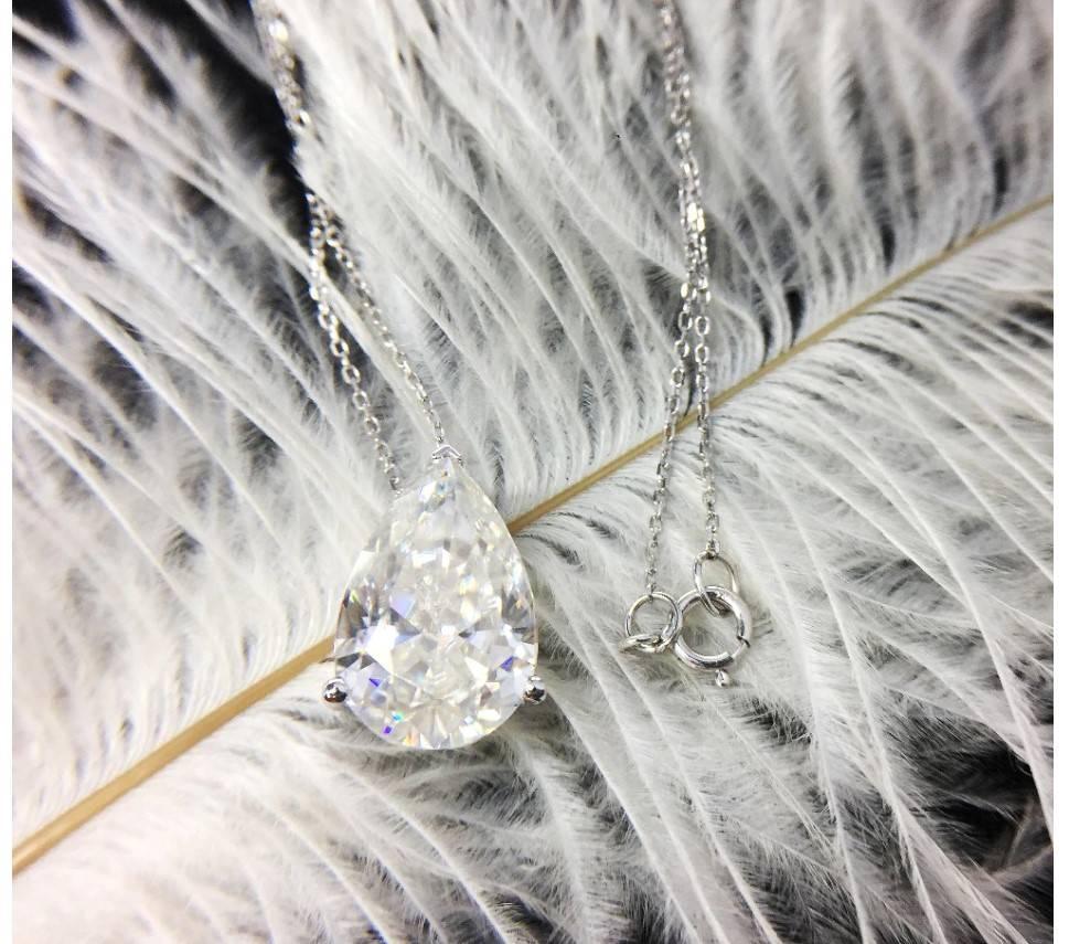 Women's 14K Gold Water Drop Moissanite Necklace